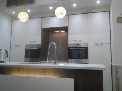 Kitchen (Island and 2 ovens)