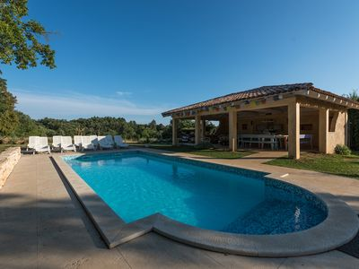 Photo for Ideal for large groups! Huge garden, pool, 7 bedrooms, centre of Istria