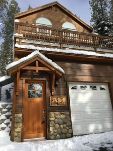 Photo for Lake Views - Sleeps 10 - Minutes To The Water, Mountains and Ski Resorts!