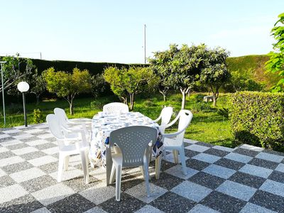 Photo for Detached holiday home with large garden - Villa Maddalena