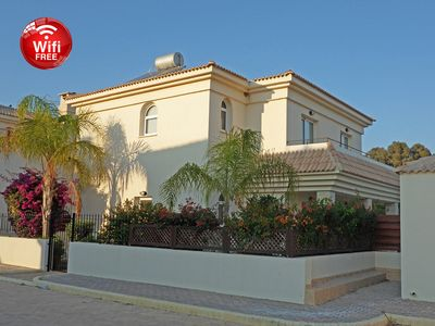 Photo for Spacious villa, pool safety fence and Wifi.  DISCOUNTS AVAILABLE