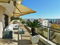 A wonderful apartment with a fantastic terrace and great location