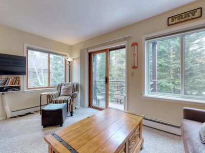 Photo for Cozy condo with shared hot tub and sauna, ski-in/ski-out, walk everywhere!