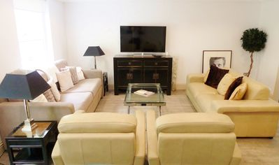 Photo for Luxury 3-double bed 3-bathroom Full AirCon Kensington/Holland Park/Notting Hill