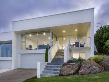 Sugarloaf Townhouse - Modern Great Location