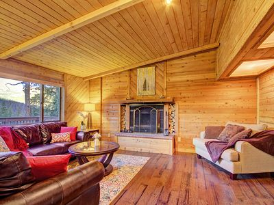 Photo for Classic Colorado Mountain Cabin, Hot Tub, Wooded Setting - Gasthaus Breck by SkyRun