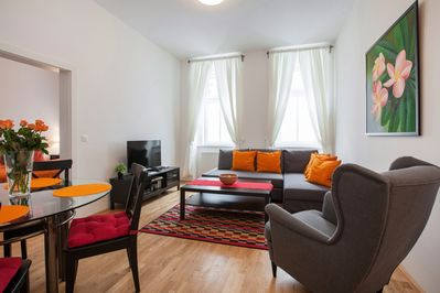 LIVING ROOM with flat screen TV, 80 international channels, DVD player,WIFI