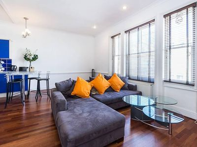 Photo for Stylish London apartment for 5 guests