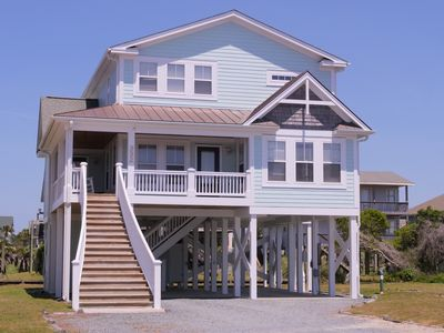 """Photo for """"Paradise Found"""" is anicely appointed 4 bedroom, 3 1/2 bath vacation home on the West End is close to restaurants and offers convenient beach access right across the street!"""