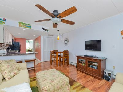 Photo for Ocean block 1 bedroom condo with fantastic view of beach!