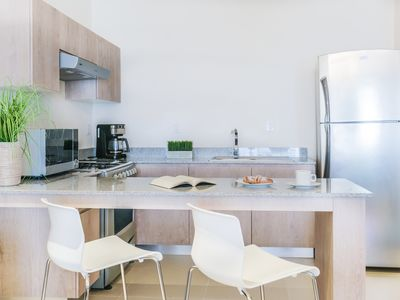 Photo for Apartment 3 bedrooms, 2 bathrooms, wifi, gym, car rental, near 5th avenue