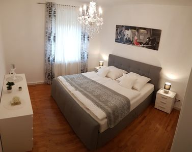 Photo for 3 rooms, kitchen, bath, free W-LAN, 300m underground, direct connection to the fair