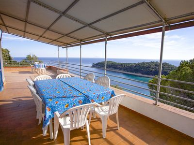 Photo for Villa with Terrace on the sea