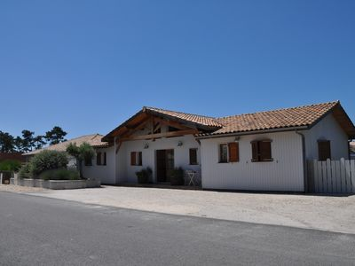 Photo for Beautiful wooden house, 1000 metres away from the sea at Montalivet.