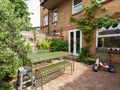 Photo for Tranquil 2 Bed Renovated Family Home in the East End
