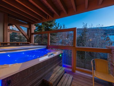 Photo for Luxury Condo, 3min walk to Main & TownLift with Private Hot tub!