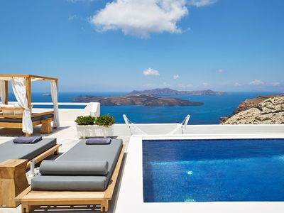 Photo for Luxury Romantic Villa with Heated Private Pool and Stunning Views