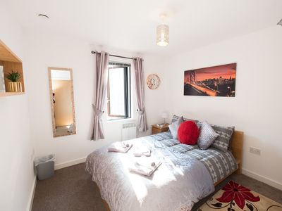 Photo for Stylish One Bedroom Apartment, Central Location