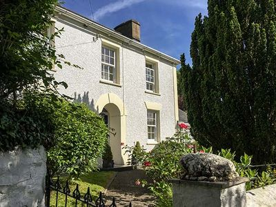 Photo for BRYNSILOH, pet friendly, with open fire in New Quay, Ref 933592