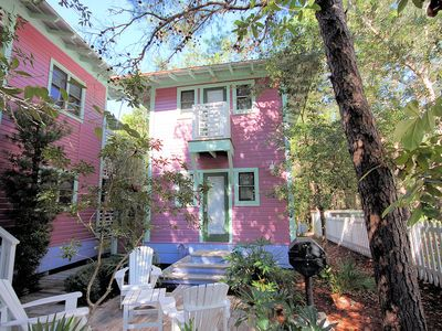 """Photo for Seaside Proper """"Every Hour"""" Charming Guest Cottage Next to Chapel 