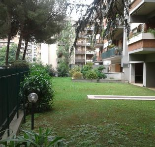 Photo for Two-room apartment in the green of the EUR