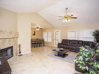 Lovely 3 bedroom home 2 exits from Cardinals Stadium in Glendale AZ