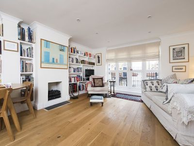 Photo for Central 2BR Family Home near Tower Bridge
