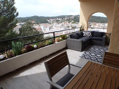 Photo for Large terrace, sea view! Beach and Historic Center!