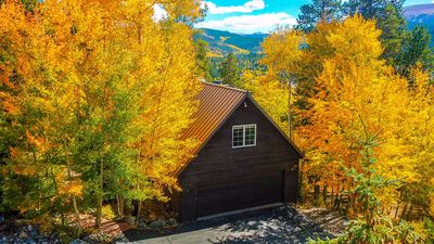 360 views of the best fall colors from the Ski Hill Lodge