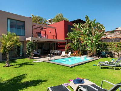 Photo for Comfortable villa with private pool, garden and views of Salobre Golf