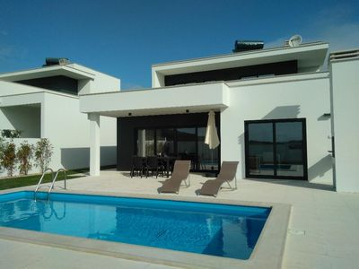 Photo for Luxury 3 bedroom villa for rent near Nazaré with private salt pool