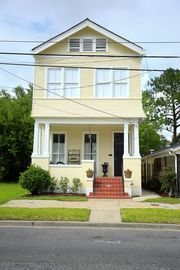 Grand Historic Home walking distance to French Quarter