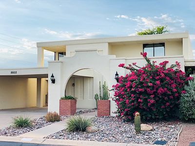 Photo for 3100sq ft Mid-Century Luxury Townhouse w/ Modern Elegance in Old Town Scottsdale