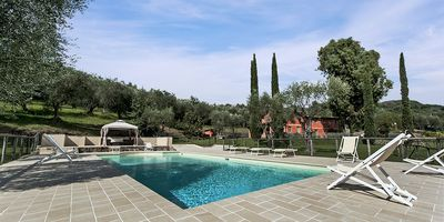 Photo for Private Villa with A/C, WIFI, hot tub, private pool, TV, patio, washing machine, close to Viareggio