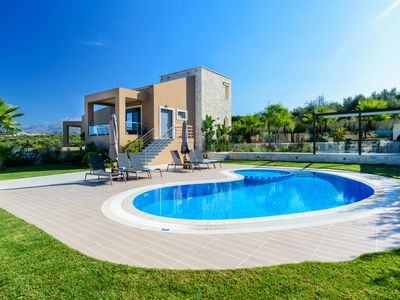 Photo for Villa Thalia with pool, 1km away from Stalos sandy beach