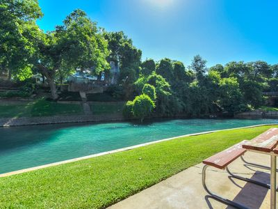 Photo for Private access to the Comal River and walking distance to Schlitterbahn!