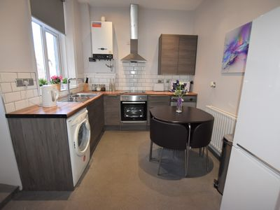 Photo for Luxury 5 bedroom close to City Centre