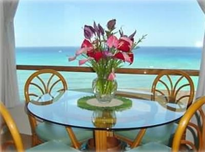 Full Ocean View - Steps to the Beach! Free Parking & WiFi