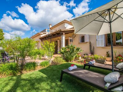 Photo for 4 bedroom Villa, sleeps 8 with Air Con, FREE WiFi and Walk to Shops