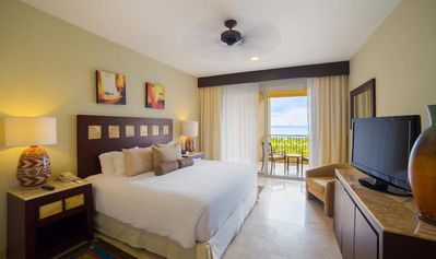 Photo for To be or Not to be Inclusive (2) at the Villa Del Palmar Cancun - McMyers