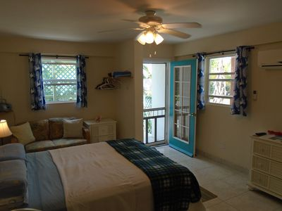 AWARD WINNING & ECONOMICAL BEACH Studio on best location on beauiful Hoopers BAY