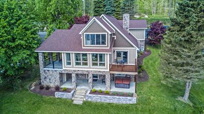 Enjoy Lake Views & Upscale Decor within 5 Minutes from Wisp