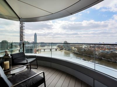 Photo for 1 BR with amazing views of London and the river. Great central location (Veeve)