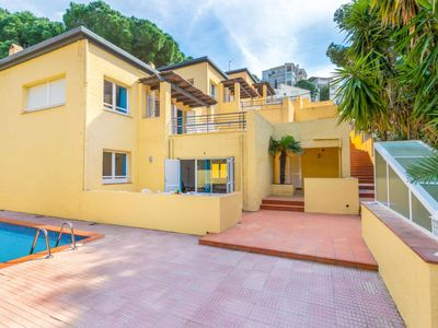 Photo for Apartment Velázquez 7  in Roses, Costa Brava - 6 persons, 3 bedrooms