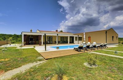 Photo for Special villa with private pool, whirlpool, wireless internet, air conditioning, billiards, outdoor shower, terrace and barbecue