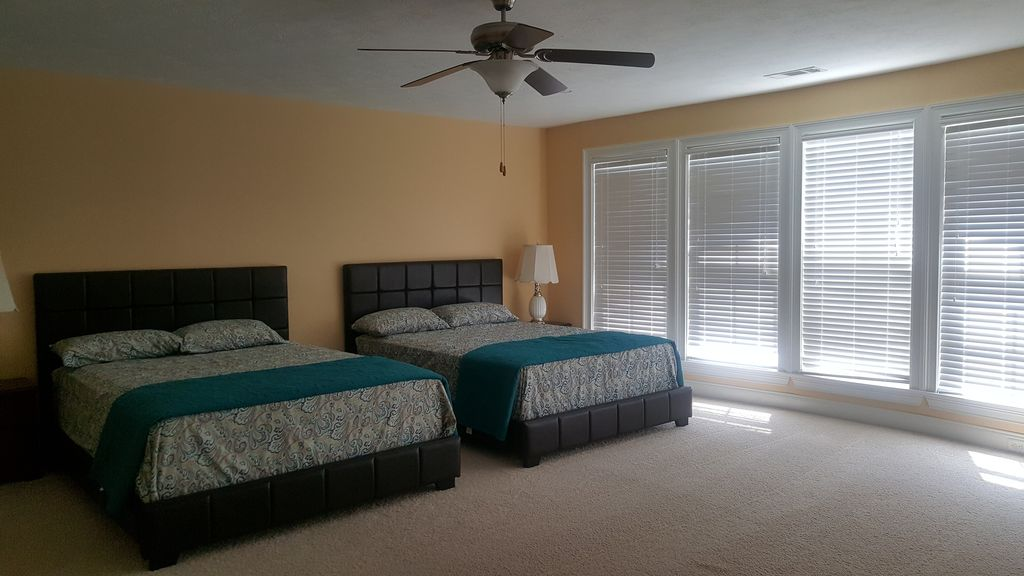 Five Bedroom House With Private Pool In Augusta Martinez