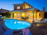 Beautiful and Spacious villa, very good sized pool