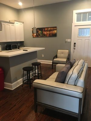 Upscale condo next to the best city attractions (Unit B)