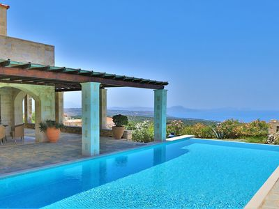 Photo for Villa Lofos, sea view, whirlpool, infinity pool