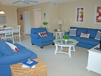Photo for Island Beach Club A230, Close to the Pool, Beach Equipment & Bikes Provided